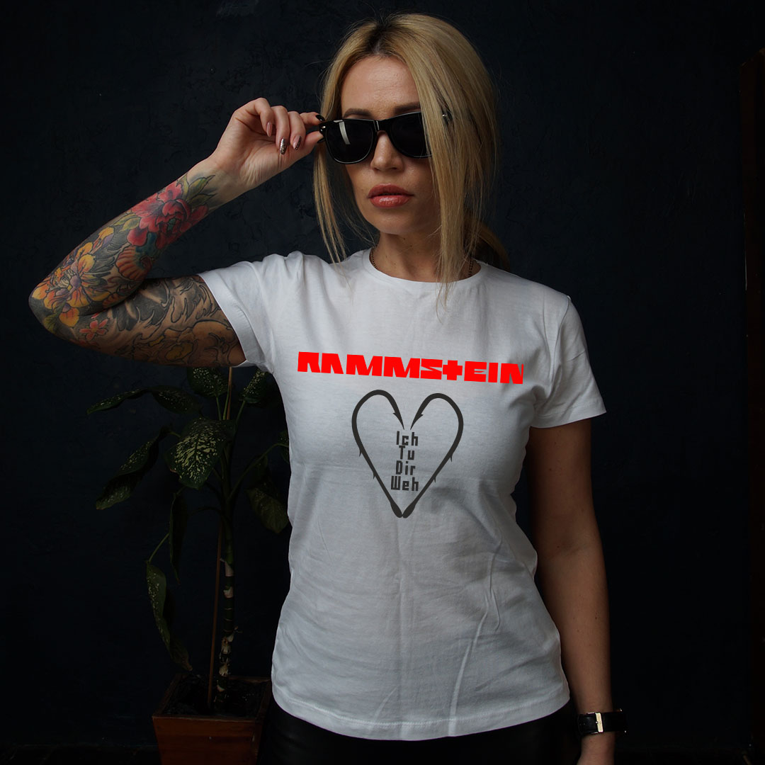 женская белая рок футболка