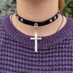 Чокер с крестом